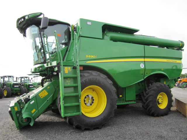 The New JD S690I combine has just arrived