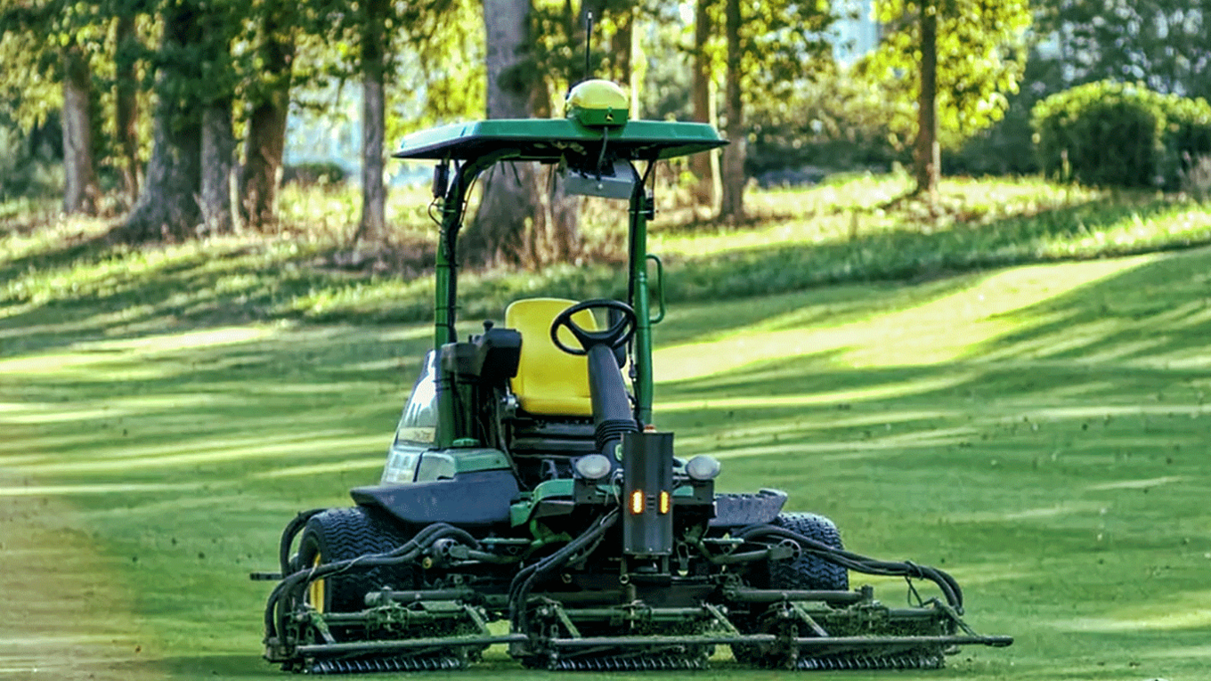 John Deere et Precision Makers : vers des machines de golf autonomes