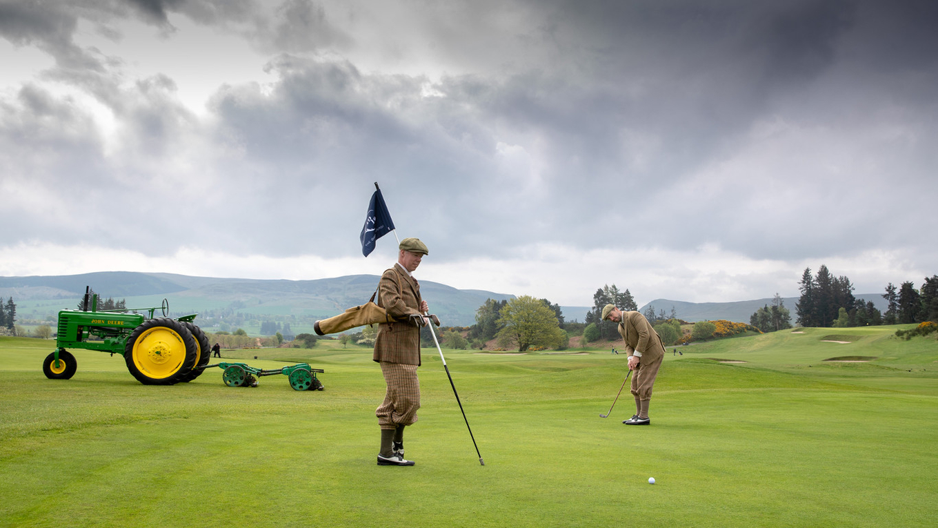 Gleneagles' Golf Operations Manager David Blackadder (left) with golf professional/vlogger Peter Finch on the 18th hole of The Queen's Course.