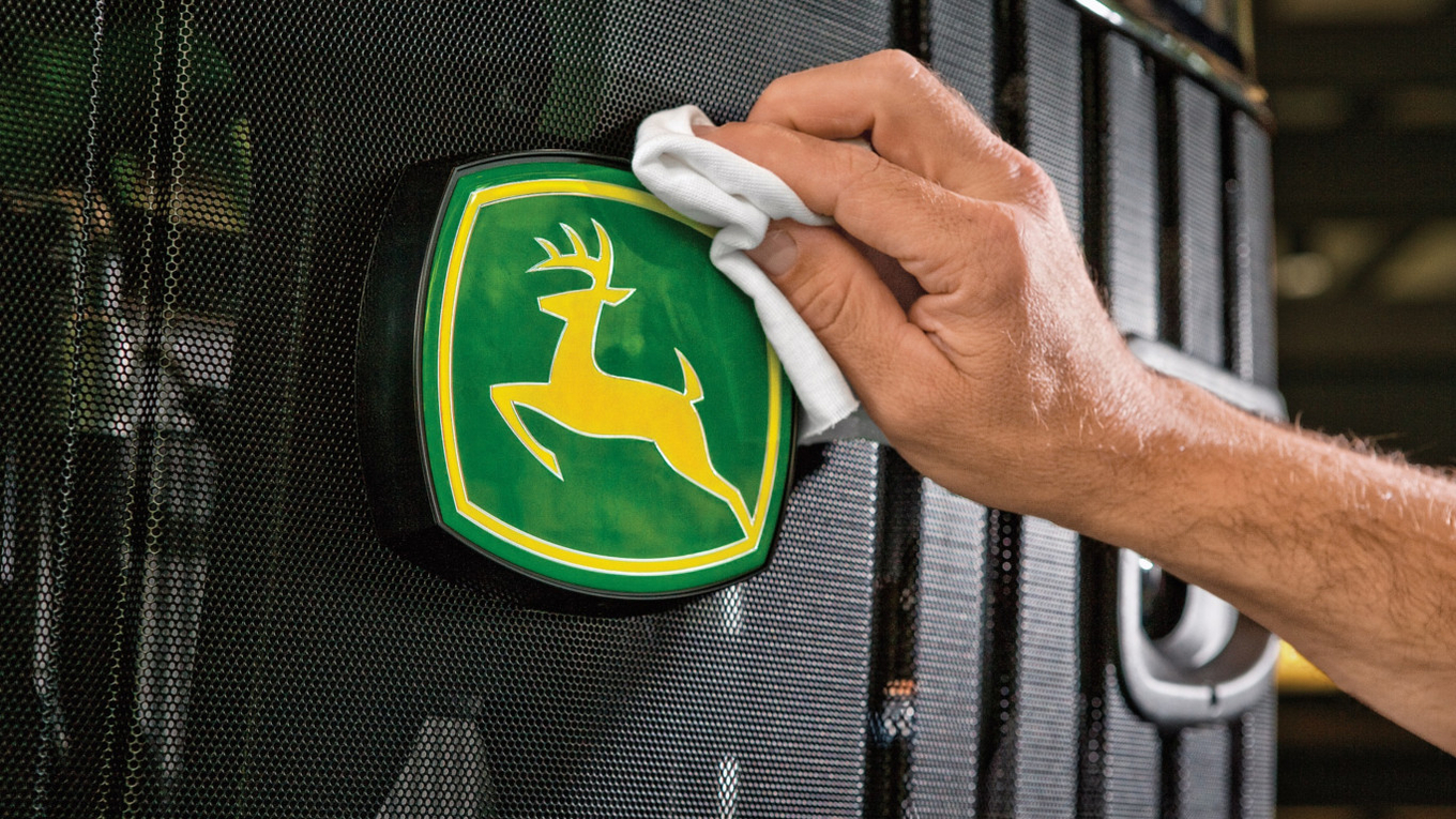 John Deere included among the Best Global Brands