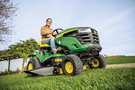 John Deere updates ride-on mowers for 2021