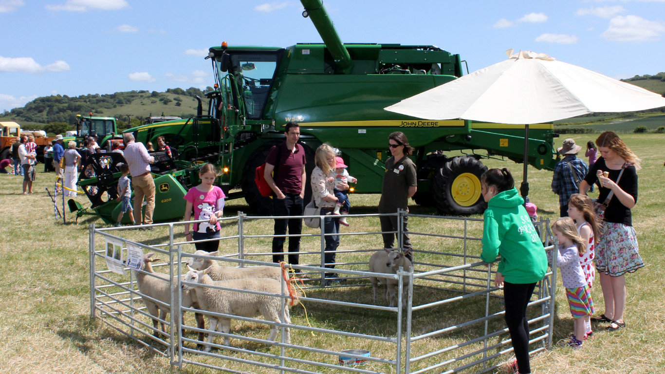 John Deere supports Open Farm Sunday 2018