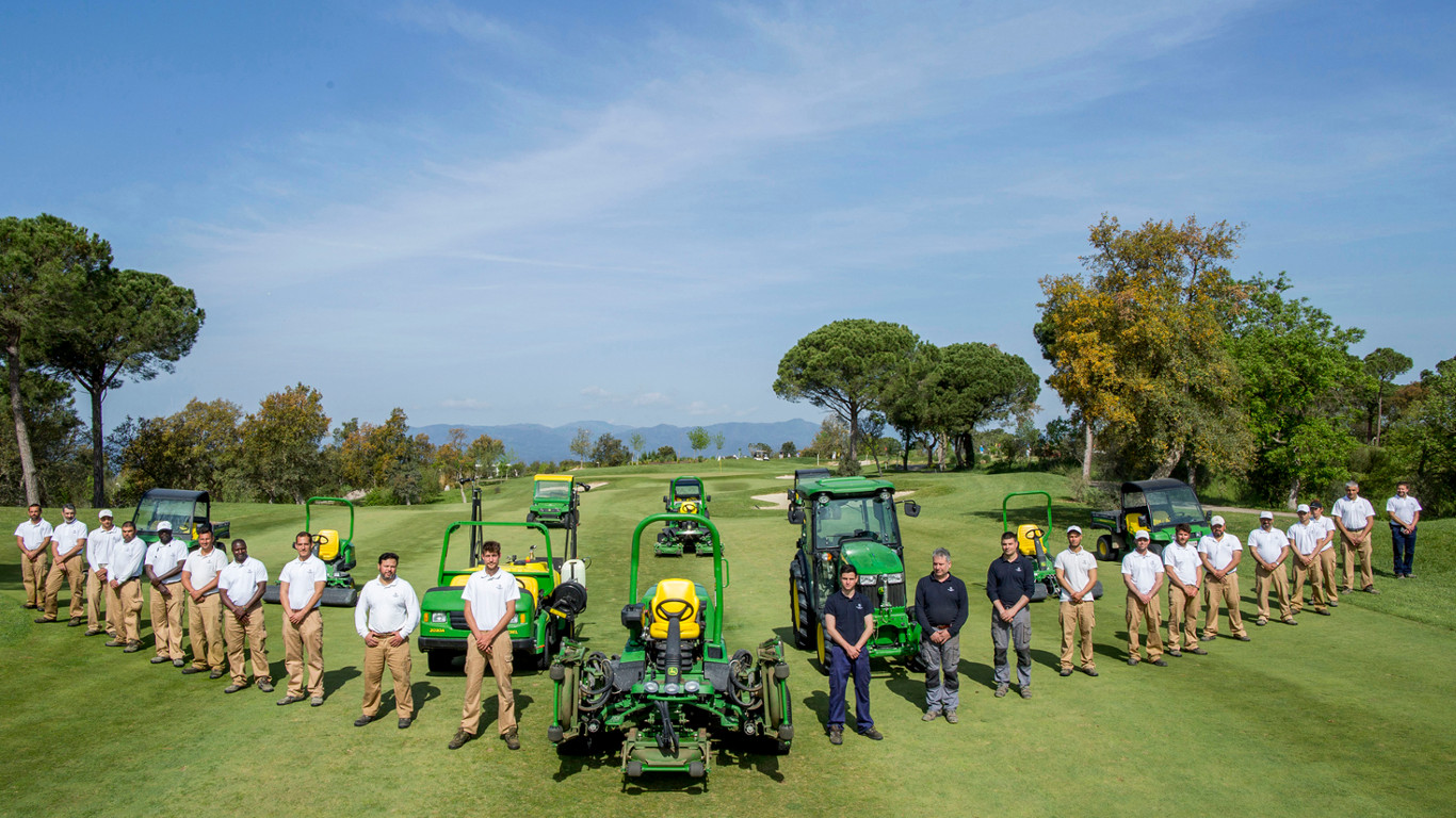 PGA Catalunya Resort in Spain has signed its first ever five-year preferred equipment supplier agreement with John Deere.
