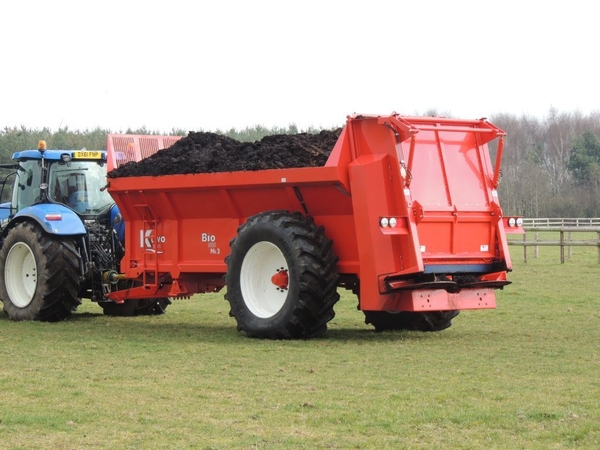 K2 Muck Spreaders
