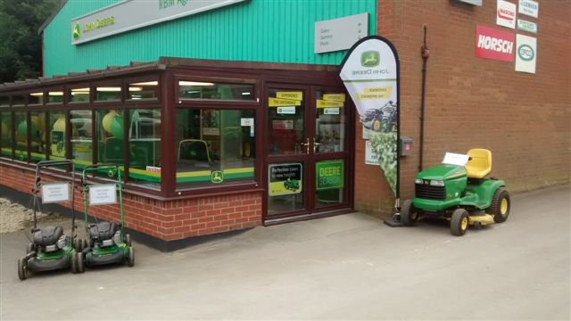 Brigg Showroom Entrance