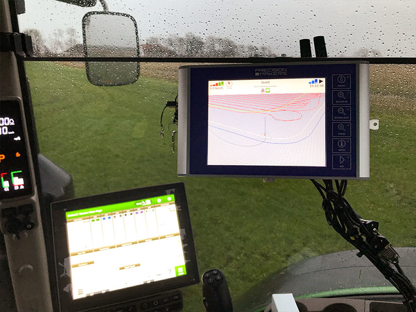 John Deere 8R med Precision Makers4